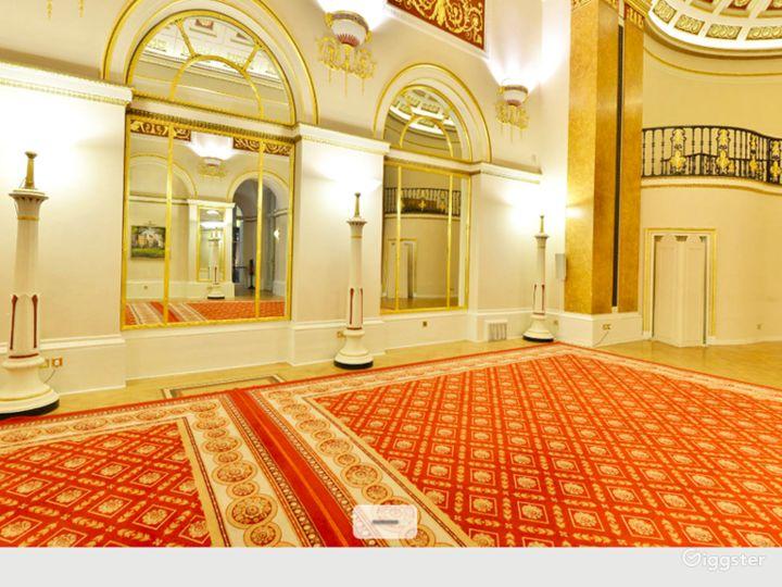 Elegant Ballroom in London Photo 3