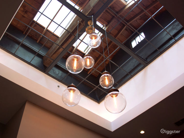 Restaurant and speakeasy in historic SF FiDi Photo 2