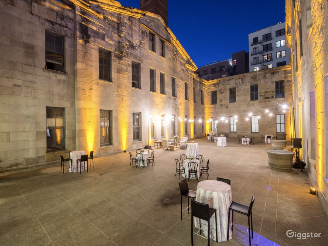 4000 sq. ft. Stunning Historic Courtyard Photo 1
