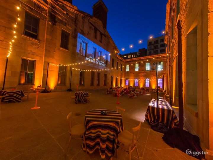 4000 sq. ft. Stunning Historic Courtyard Photo 3