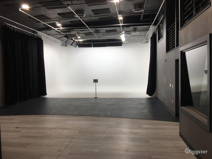 White Cyclorama Studio Space Photo 2