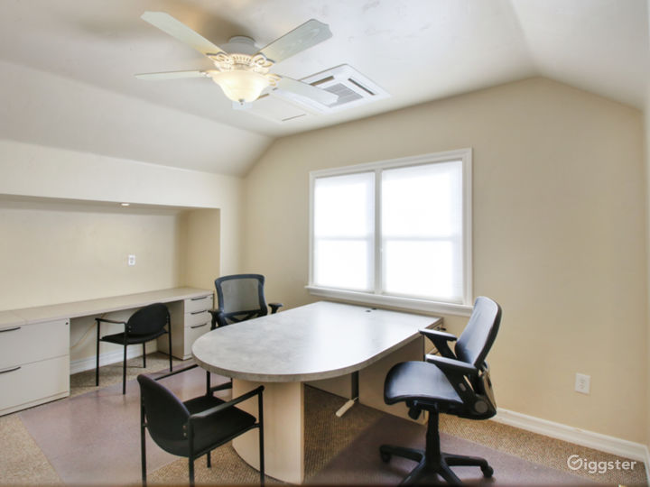 Suite 330 - Light and Spacious Office Photo 2