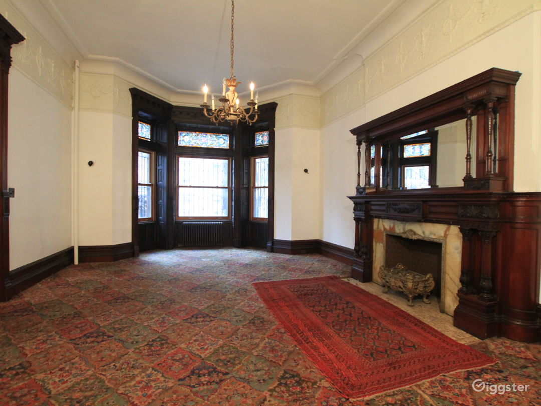 Large Historic NYC Brownstone Photo 2
