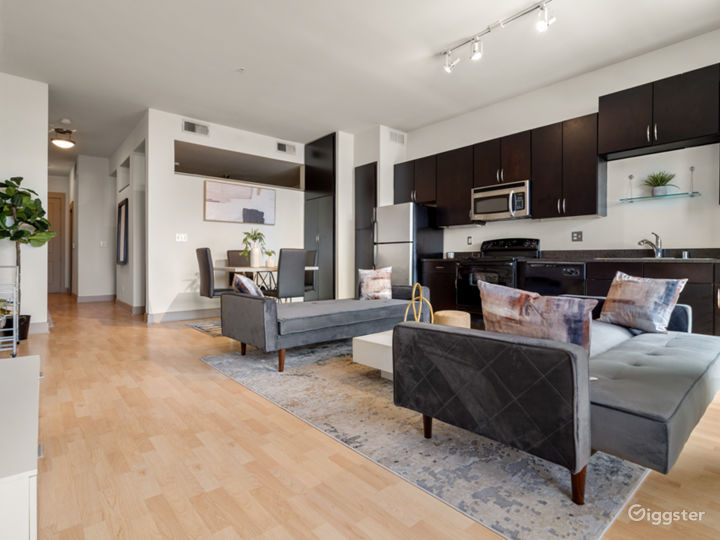 Luxurious Apartment | Gorgeous Views Photo 4