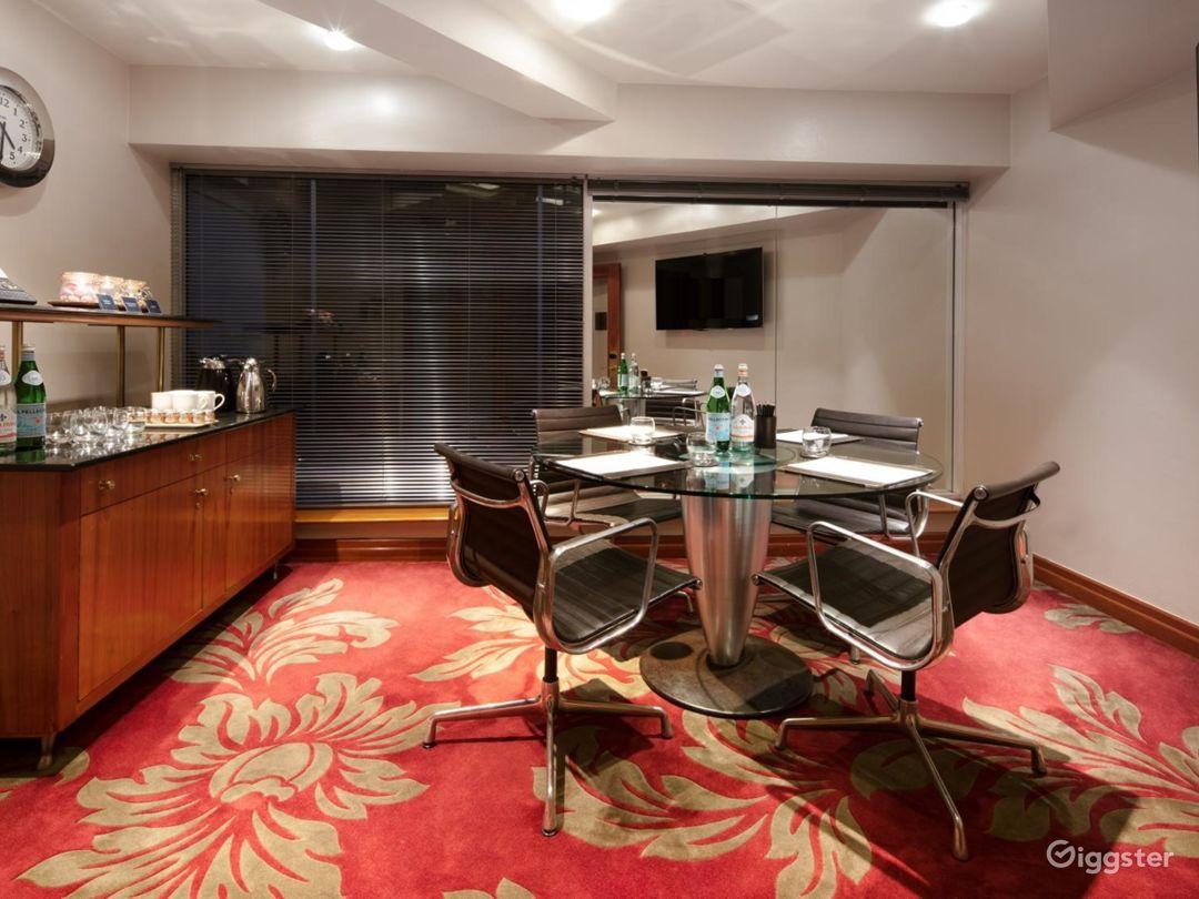 Superior Private Room 36 in London, Heathrow Photo 1