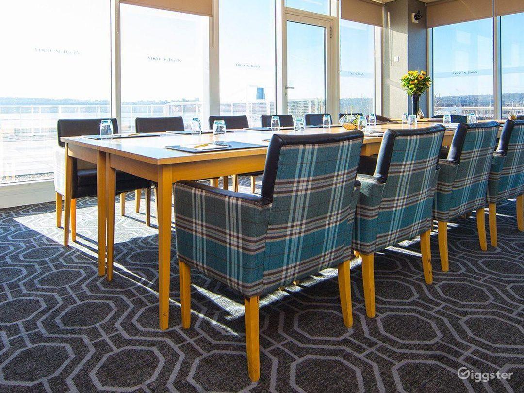 Penarth Suite with Impressive view in Cardiff Photo 1