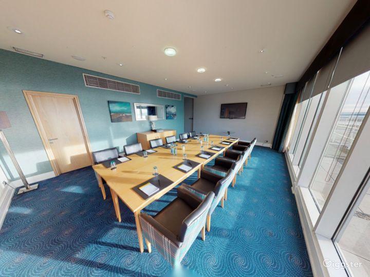 Penarth Suite with Impressive view in Cardiff Photo 2