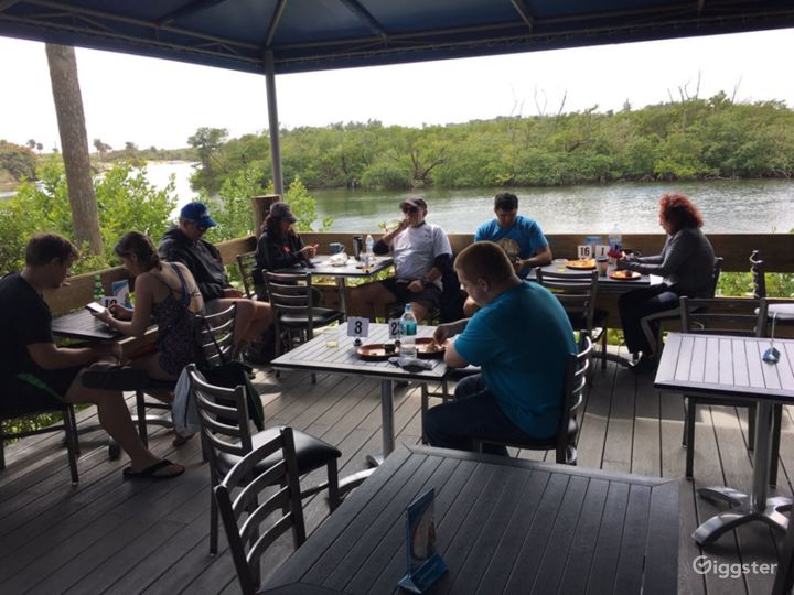 Fascinating Beach Side Restaurant Photo 4