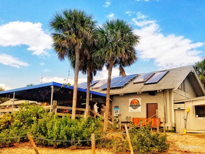 Fascinating Beach Side Restaurant Photo 5