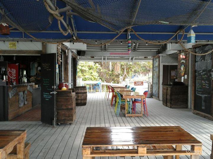 Fascinating Beach Side Restaurant Photo 2