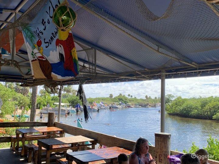Fascinating Beach Side Restaurant Photo 3