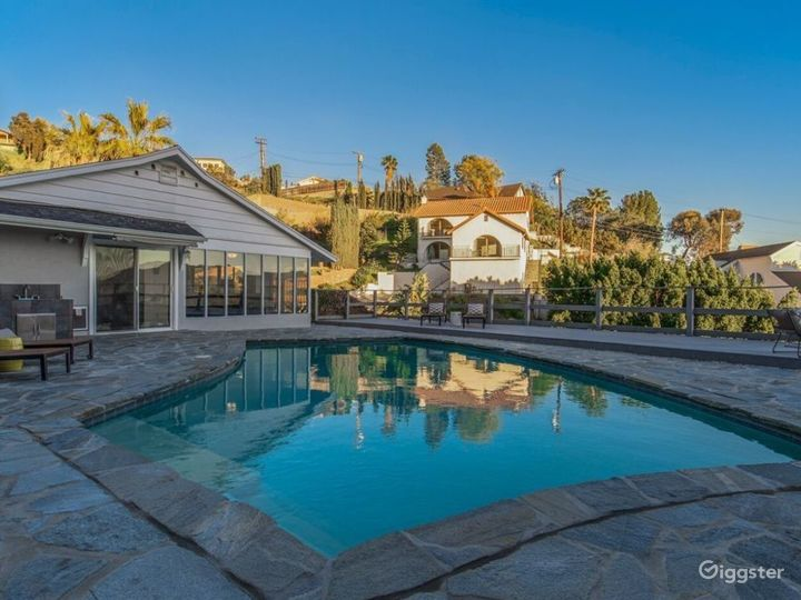 Modern Burbank hills corner house with view & pool Photo 5