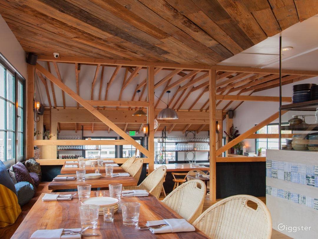 Cozy House/Bungalow Restaurant with Patio Photo 2