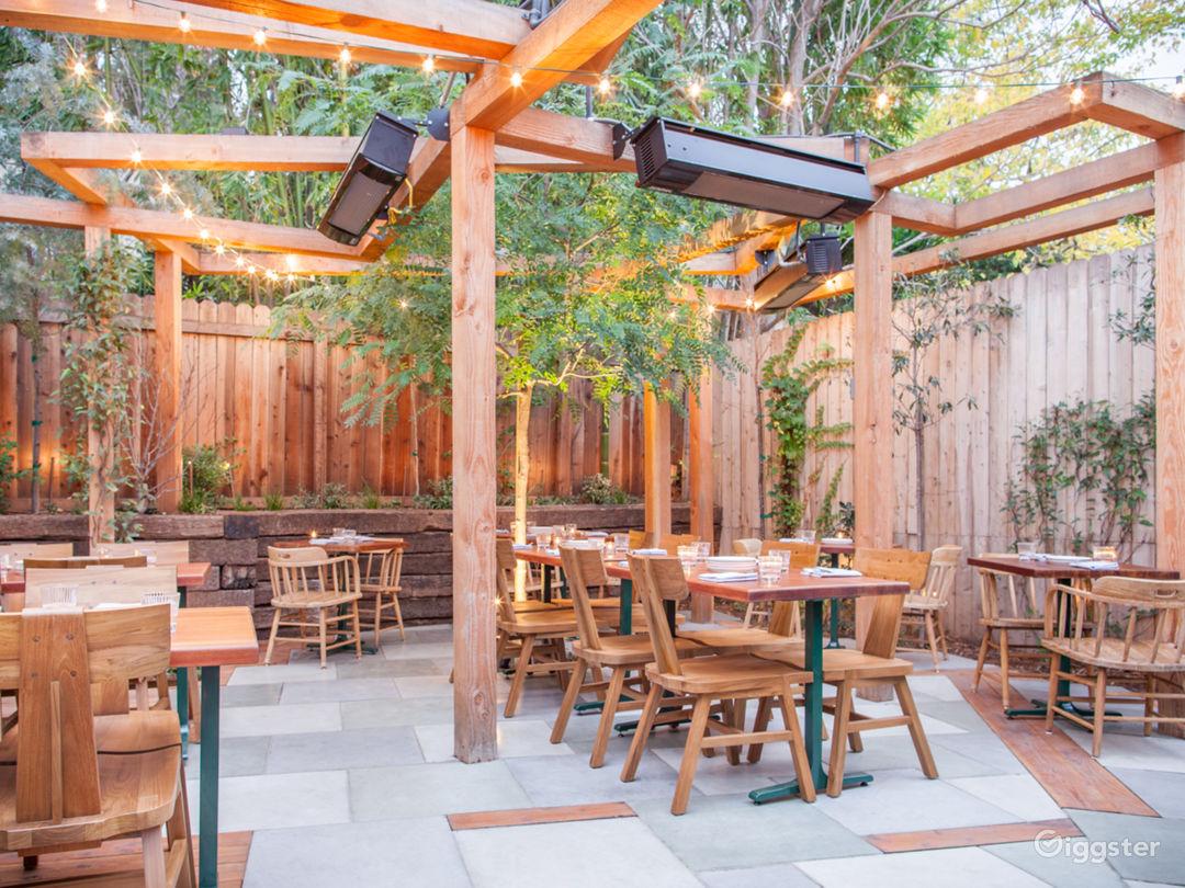 Cozy House/Bungalow Restaurant with Patio Photo 4