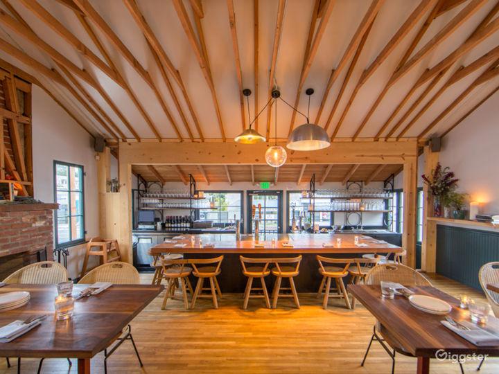 Cozy House/Bungalow Restaurant with Patio