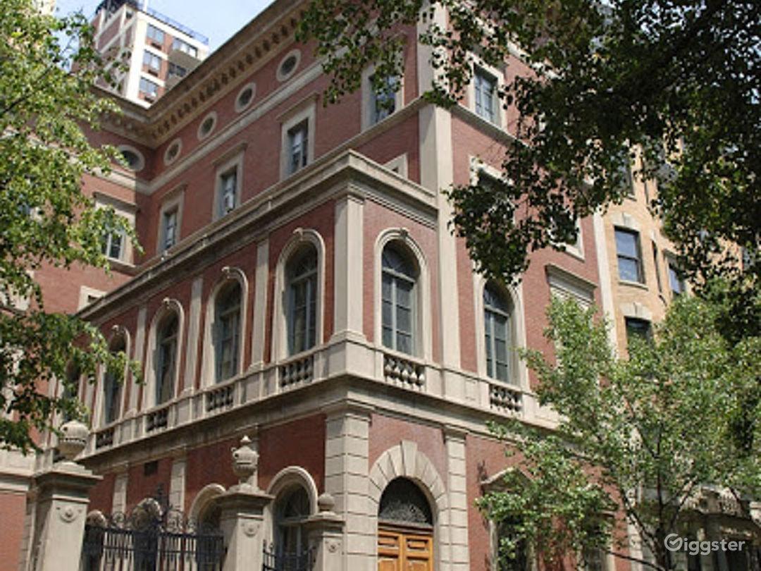 Italian Baroque House in New York Photo 1