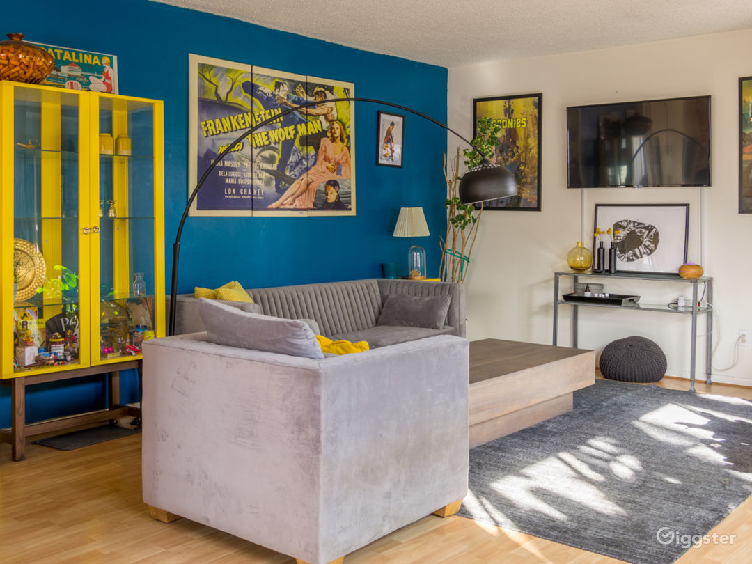 Colorful 2 Bedroom Apartment in West Hollywood Photo 1