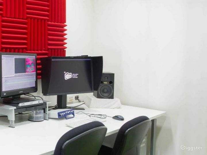 Video Editing Room for Projects Photo 4