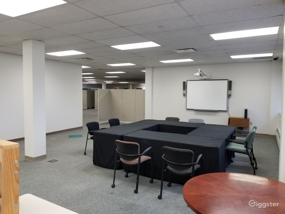 Spacious Office, With Large Open Areas Photo 2
