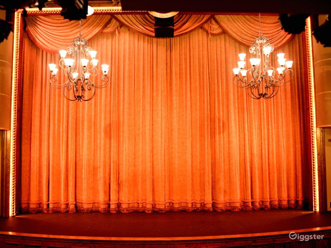 Grand Curtain