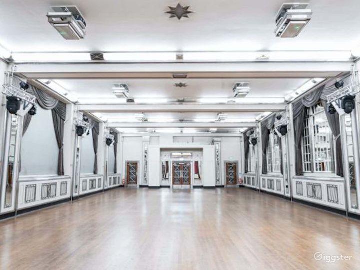 London's Opulent Art Deco Venue Photo 3