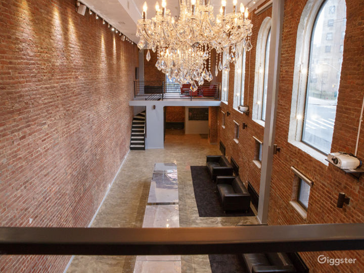 Old Brooklyn Bank with Vault. 4000sf of open space Photo 2