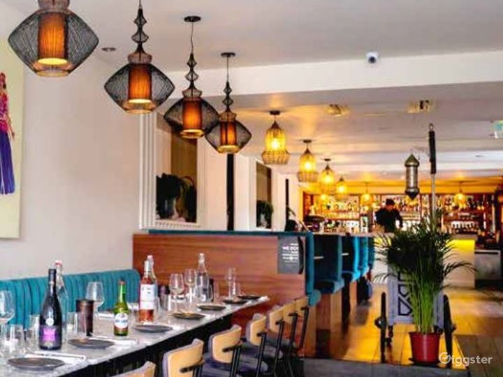 Spacious Restaurant with Mediterranean Design   Photo 2