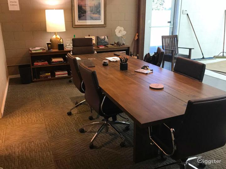 Spacious Meeting Room in Burbank  Photo 2