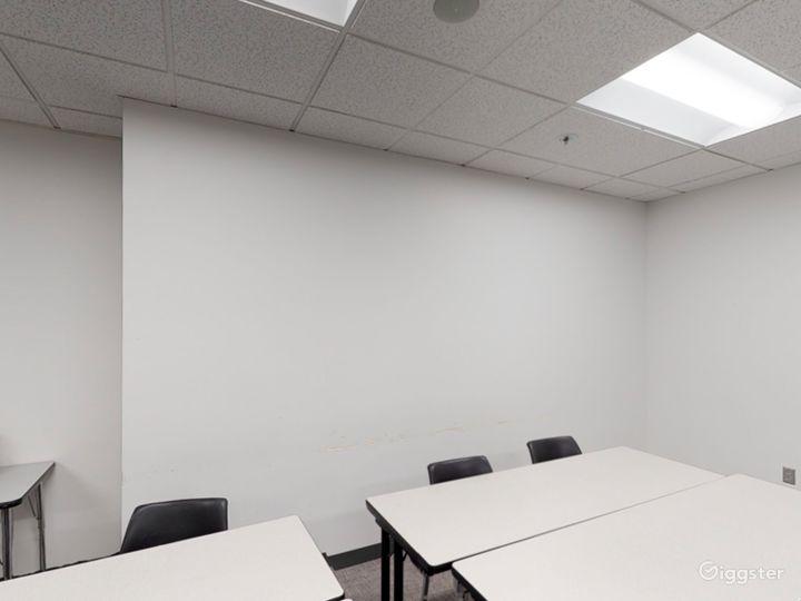 Well-kept Classroom in Portland Photo 2