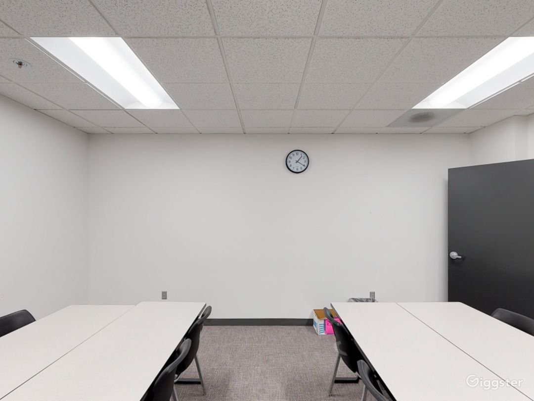 Well-kept Classroom in Portland Photo 1
