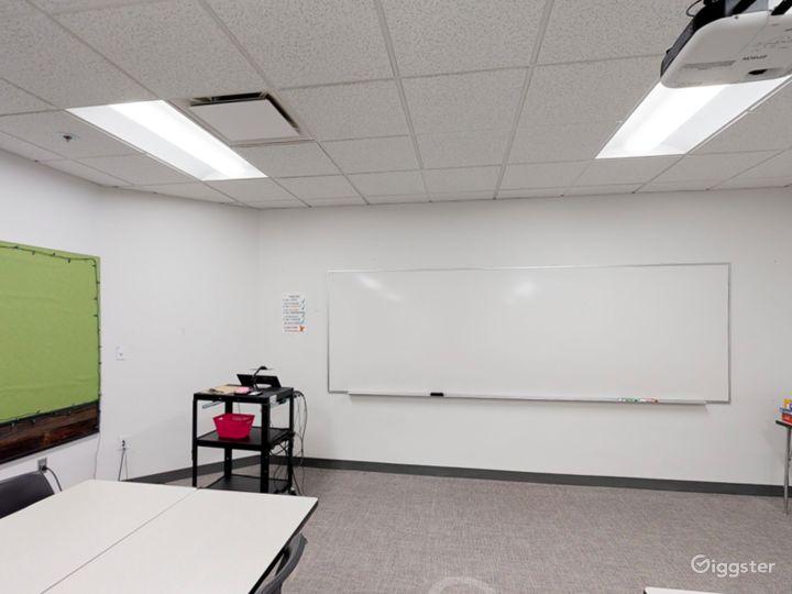Well-kept Classroom in Portland Photo 5