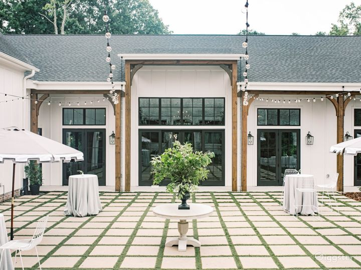 Luxurious Event Venue in New Hill Photo 3