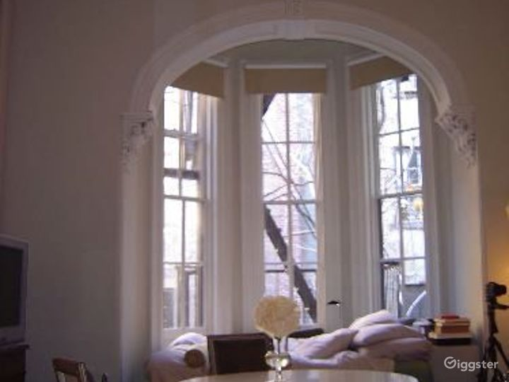 Contemporary NY apartment: Location 4036 Photo 5