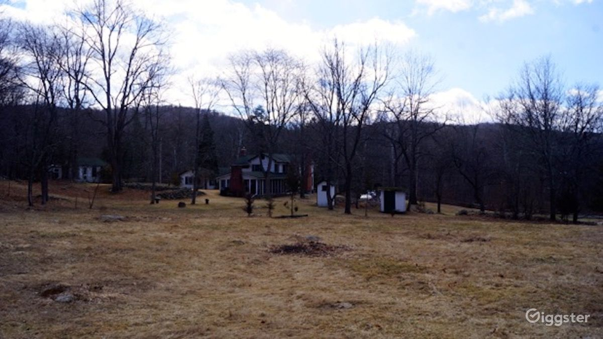 Rustic Farmhouse with 2 Barns on 17 Acres in Sloatsburg New York Rental
