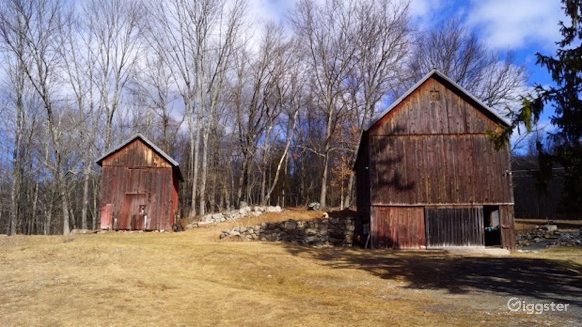 Rustic Isolated Farmhouse with 2 Barns in Sloatsburg New York Rental