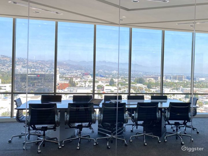Spacious Conference Room in Beverly Hills Photo 5