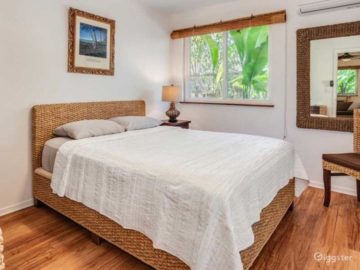 Gorgeous and Gloomy Bungalow in Haleiwa Photo 3