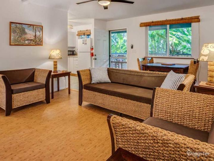 Gorgeous and Gloomy Bungalow in Haleiwa Photo 5