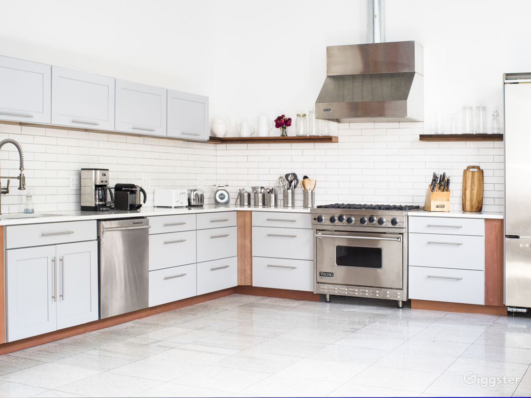 Our newly-renovated Gourmet Shoot Kitchen at Bond Street Studio!