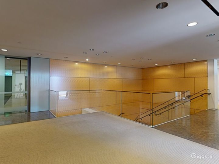 Floor 30 Photo 5