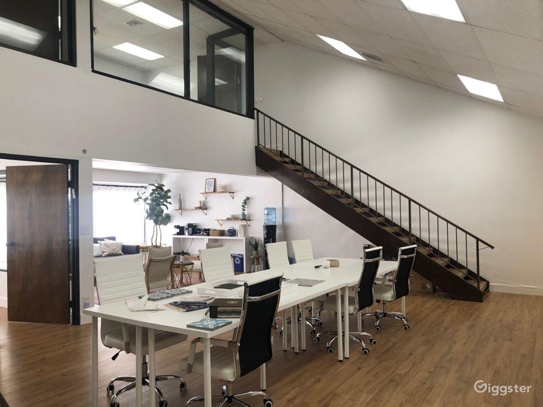 Bright Modern Loft Office Space Photo 2