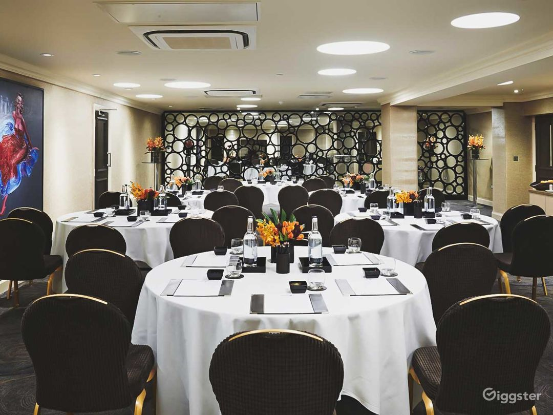 Luxurious Victoria & Albert Event Space in Cromwell Road, London Photo 1