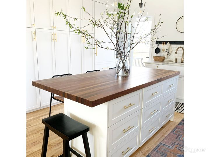 Bright + Airy Modern Traditional Brooklyn Townhome Photo 2
