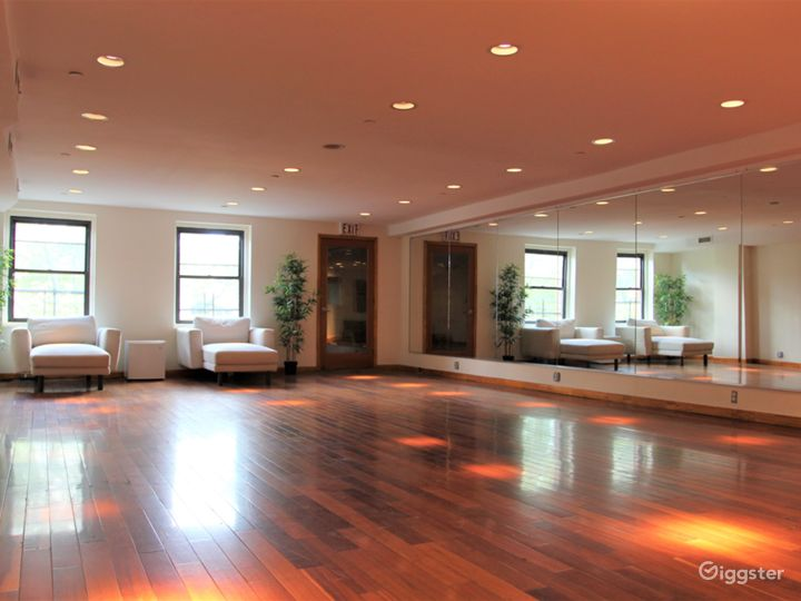 LES Dance/Rehearsal Studio with Natural Light Photo 2