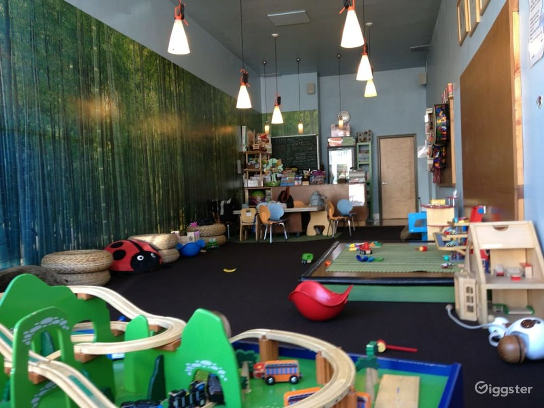 Kids Play House in Mid Wilshire - Play Room Photo 1