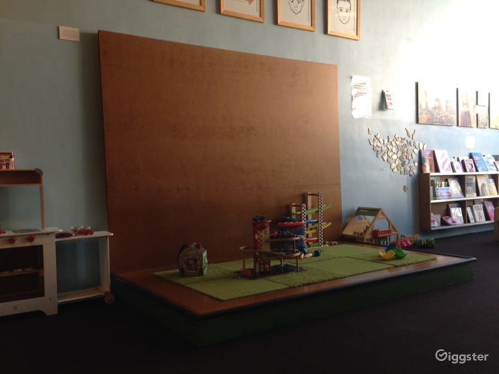Kids Play House in Mid Wilshire - Play Room Photo 3