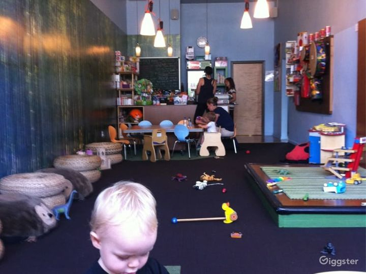 Kids Play House in Mid Wilshire - Play Room Photo 2