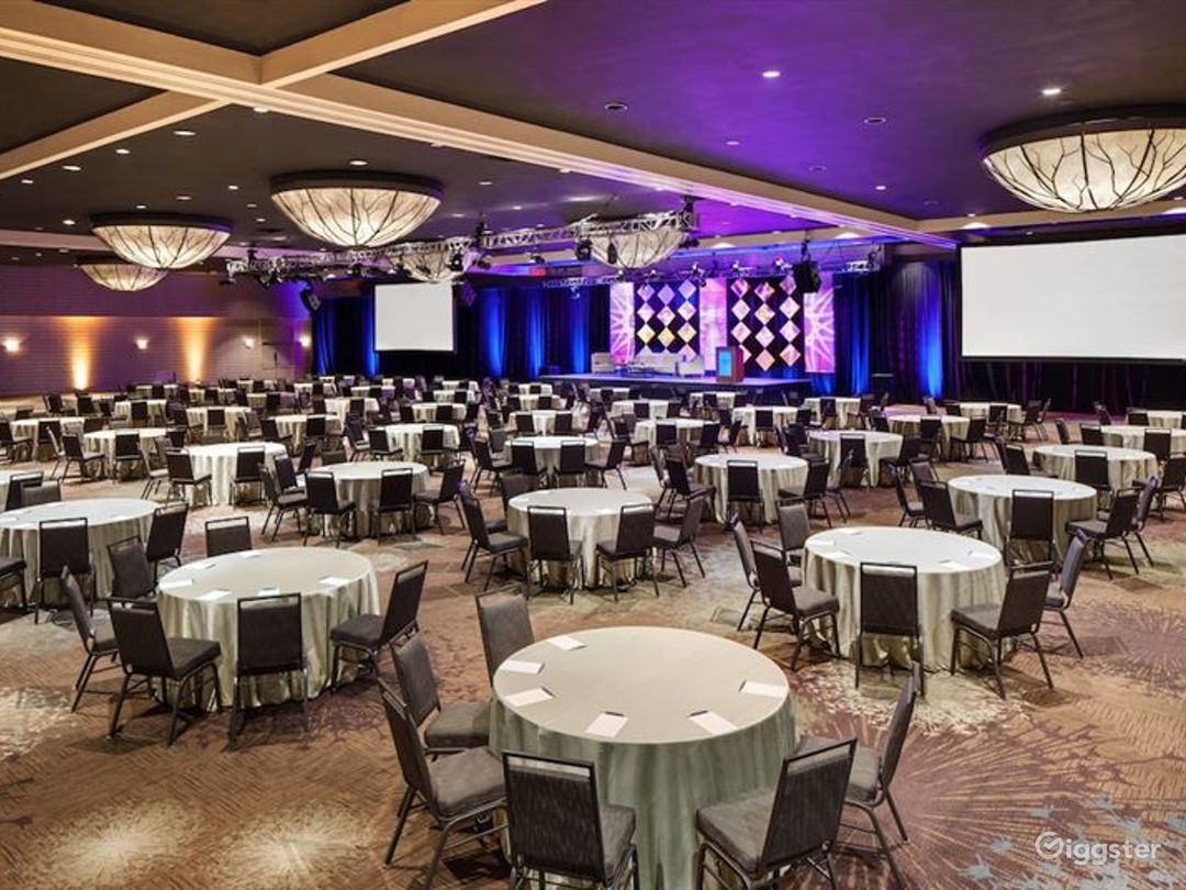 Large hotel ballroom for all types of events Photo 1