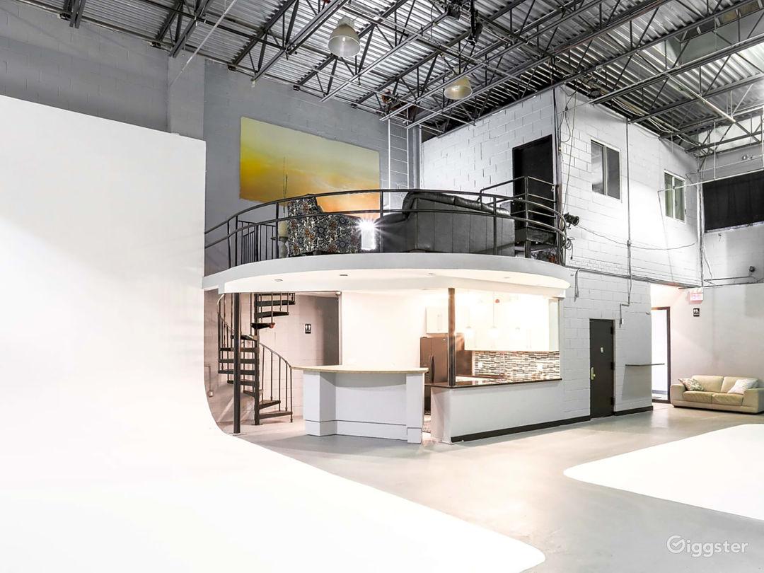 Studio AB (kitchen and Mezzanine)