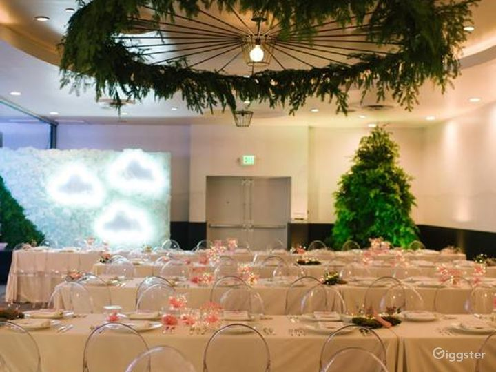 Gorgeous and Sunny Ballroom in LA Photo 5